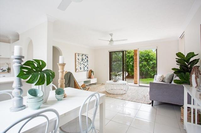 1/20A 'Penthouse Manor' Old Burleigh Road, QLD 4217