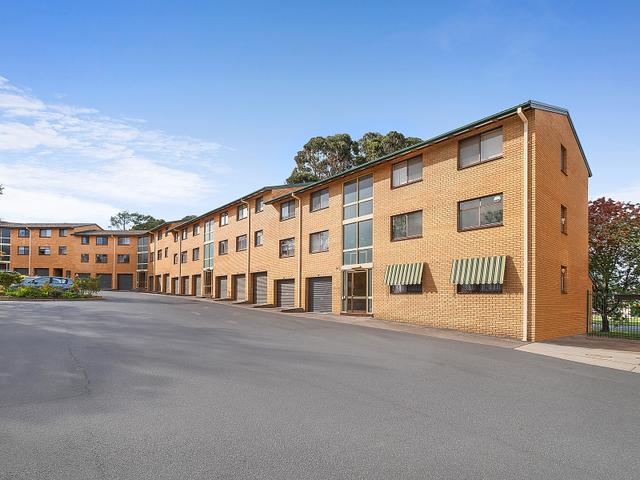 25/6 MacLaurin Crescent, ACT 2606