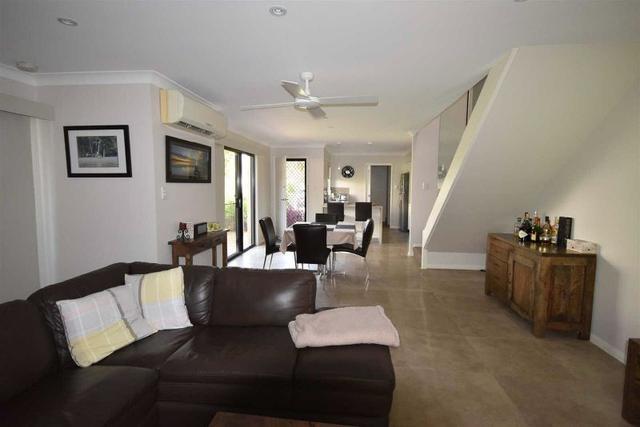 2/7 Stillwater Place, QLD 4566