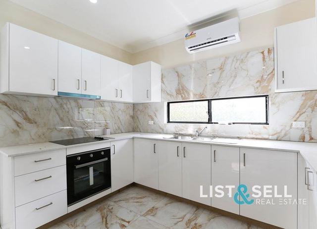 30 Oxley Street, NSW 2560