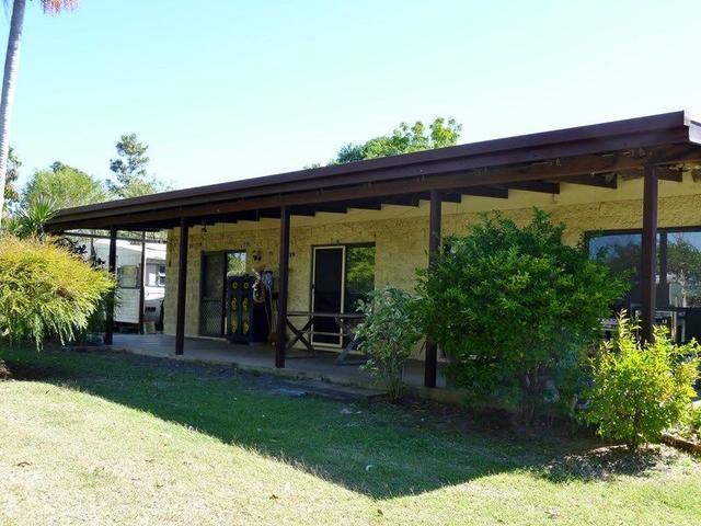 160 St Helens Beach Road, QLD 4798