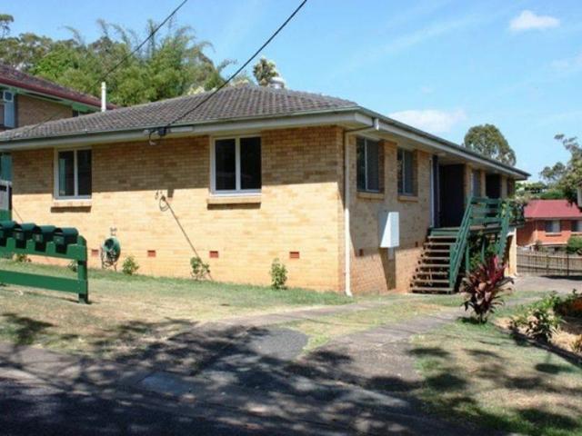 2/35 Percy Street, QLD 4121