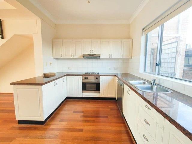 9/2 Faraday Road, NSW 2211
