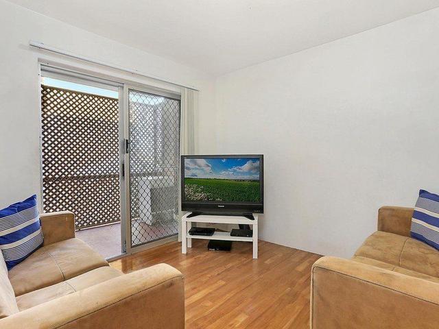 3/7 Lomond Terrace, QLD 4169
