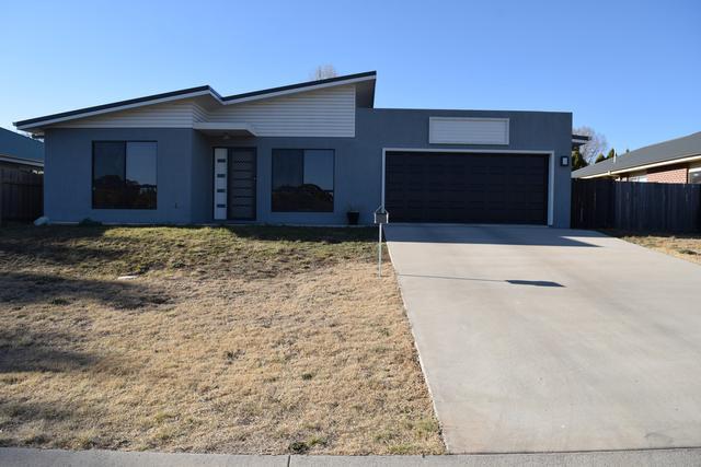 9 Claret Ash Drive, NSW 2365