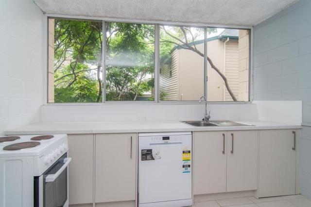 3/12 Latrobe Terrace, QLD 4064