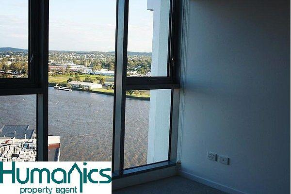 12004/8 Harbour Rd, QLD 4007