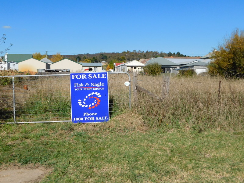 bombala divorced singles Population in bombala by couples only and by single-parent families with children may reflect a higher divorce rate or a change in attitudes to.