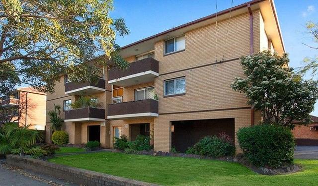 2/76 The Boulevarde, NSW 2195