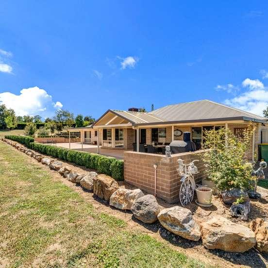 5 Barley Place, NSW 2582
