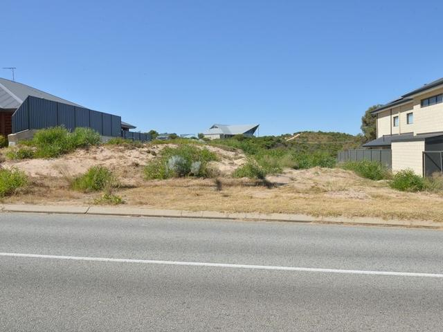 82 Crystaluna Drive, WA 6174
