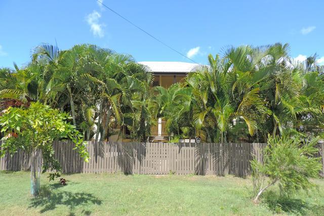 12 Humphrey Street, QLD 4810