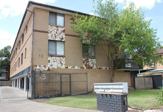 2/13 Pevensey Street, NSW 2166