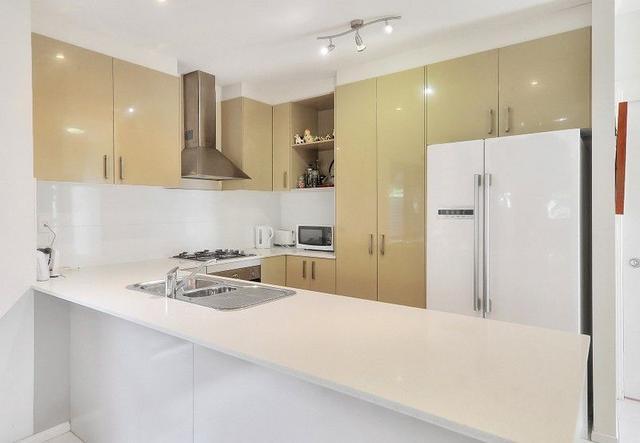 10A Ponsonby St, QLD 4103