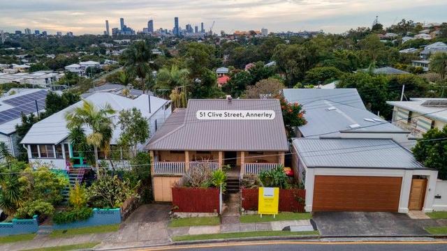 51 Clive Street, QLD 4103