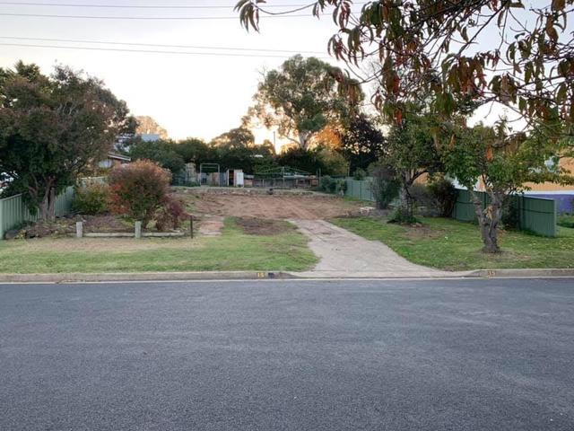 15 Neuss Avenue, NSW 2630