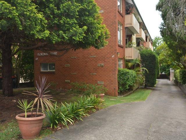 2/69 Florence Street, NSW 2077