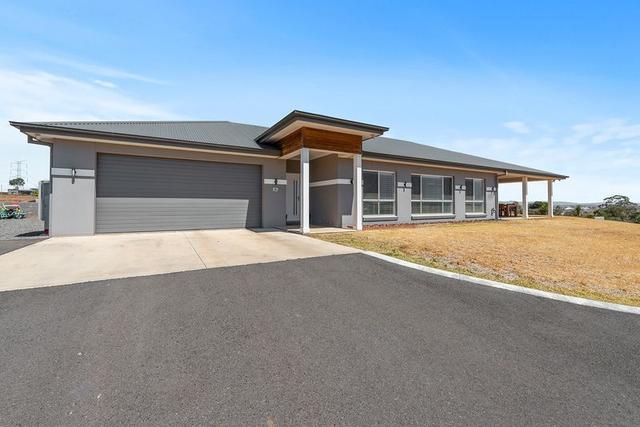 41 Falcon Drive, NSW 2340