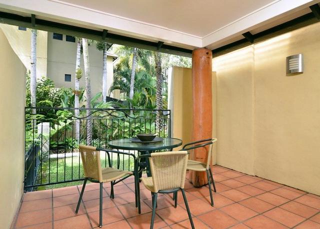 10 Reef Club/64 Davidson Street, QLD 4877