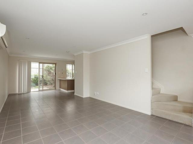 07 19 Kathleen Street, QLD 4077